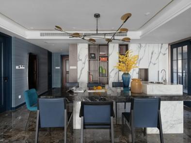 雅致现代风餐厅蓝色餐桌装修效果图 (1)