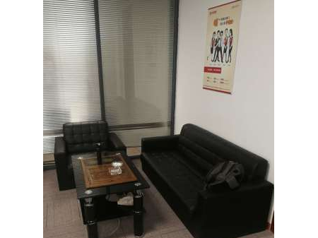 道滘创新岛2号 办公室300平米带装修和桌椅